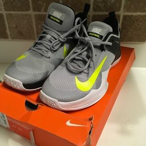 Women's Nike Air Zoom Hyperace Size 12 volleyball